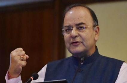 Arun Jaitley rules out privatisation of public sector banks - Sakshi