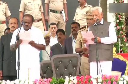 HD Kumaraswamy Sworn As Karnataka Chief Minister - Sakshi