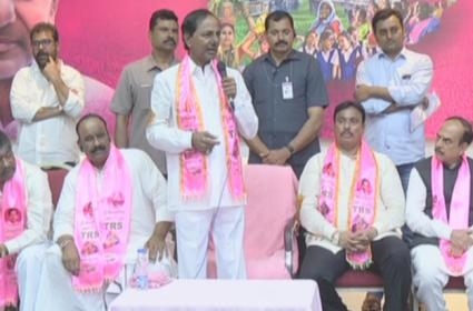 CM KCR Comments On Early Elections While Danam Joins TRS - Sakshi