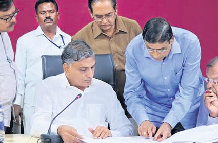 Harish rao  reviewed on the palamuru project - Sakshi