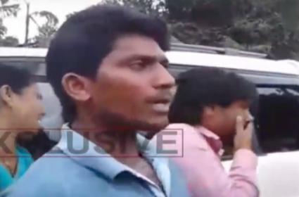 MLA Driver Says Maoist Roundup With Guns - Sakshi