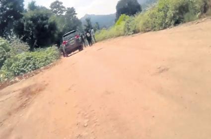 Maoist forces heavily arrived to Livitiputtu to Kill kidari and Soma - Sakshi