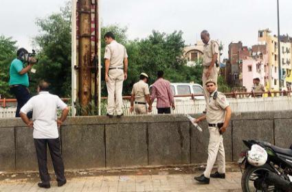 Man Murder His Girl Friend In Delhi - Sakshi
