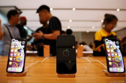 iPhone XS Available In India At Rs. 4499 A Month - Sakshi
