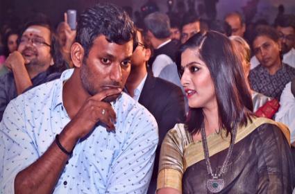 Varalakshmi Reveals Vishal Excuse For Postponing Marriage - Sakshi