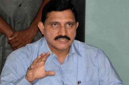 TDP Leader Sujana Choudary Slams Central Goverment - Sakshi