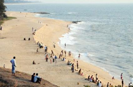 Young And Teenage Youth Naked Bath in Karnataka Beaches - Sakshi