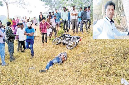 Young Man Died In Road Accident Sangareddy - Sakshi