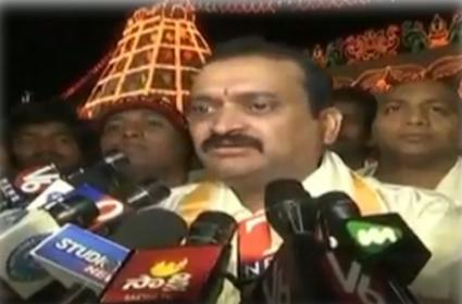 Bandla Ganesh Reacts On His Blade Challenge Comments - Sakshi