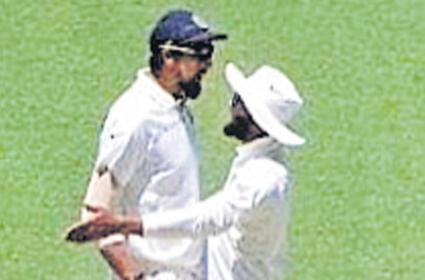 Ishant Sharma and Ravindra Jadeja on-field spat in Perth - Sakshi