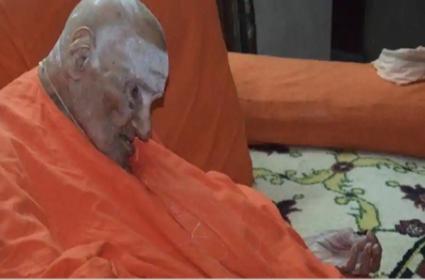 Karnataka Seer Shivakumara Swami Dies at 111 - Sakshi