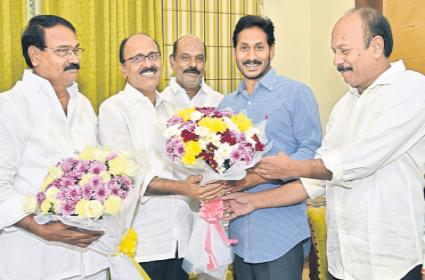 Meda Mallikarjuna Reddy Fires On Chandrababu and Met YS Jagan - Sakshi