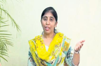 Sunitha Reddy Says There are many Doubts about my father murder case - Sakshi