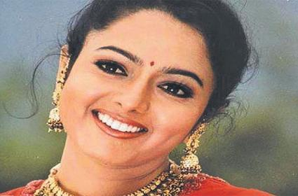 Soundarya Died in Helicopter Accident in Election Campaign - Sakshi