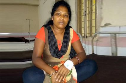 Young Woman Attacked By Lovers Mother In Orissa - Sakshi