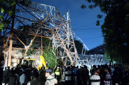 LB Stadium Flood Light Tower Colopus And Rains In Telangana - Sakshi
