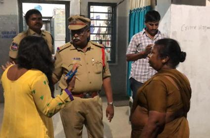 Woman Drunk And Did Nuisance At SR Nagar Police Station - Sakshi