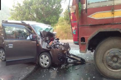 Road Accident In Odisha Kalahandi - Sakshi