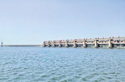 availability of Godavari river water availability details are missing Says CWG - Sakshi