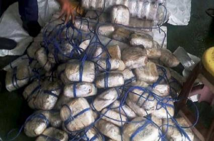 Coast Guard seizes Pakistani boat carrying heroin worth Rs 600 crore - Sakshi