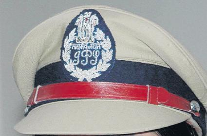 Telangana IPS officers looking towards Andhra Pradesh - Sakshi