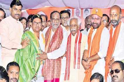 With BJP surging in Telangana Says k Laxman - Sakshi