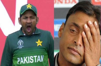 Shoaib Akhtar Slams Brainless Captain Sarfaraz Ahmed - Sakshi