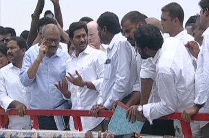 Ys Jagana mohanreddy Reaches Polavaram - Sakshi