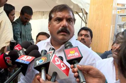 Botsa Satyanarayana Talking With Media After Meeting With CRDA - Sakshi