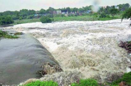Government Plans To Evacuate Godavari Water To Southern Telangana - Sakshi