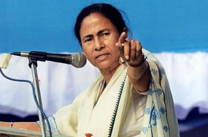 Mamata Banerjee warns BJP Against Clashing In Bengal - Sakshi