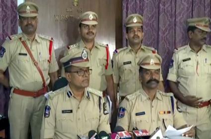 Ramprasad murder case: West Zone Police arrested Koganti Satyam - Sakshi