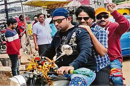 Cyberabad Traffic Police E-Challan imposed to Ramgopal Varma - Sakshi