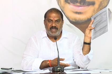 Malladi Vishnu Slams Chandrababu Over Tirumala Bus Ticket Issue - Sakshi