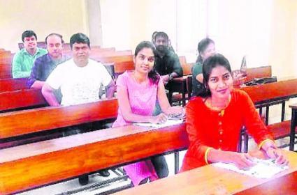 Armoor MLA Jeevan Reddy Writes LLM Exam In KU - Sakshi