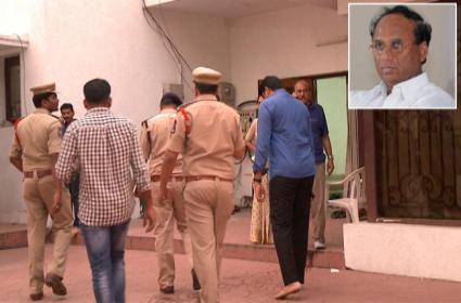 Banjara Hills Cops Seized Kodela Siva Prasada Rao Phone - Sakshi