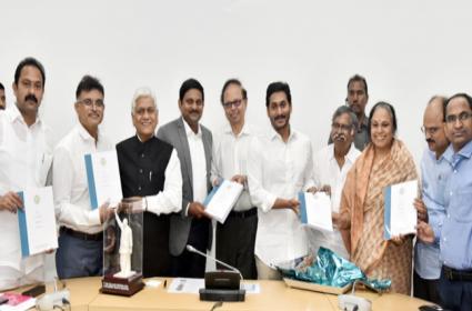 CM Ys Jagan Meeting With Sujatha Rao Committee Key Points - Sakshi