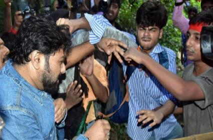 Babul Supriyo Promises Student Mother Will Not Harm Your Son - Sakshi