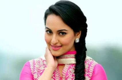 Sonakshi Sinha Counter To Trolls Over Ramayan Question - Sakshi