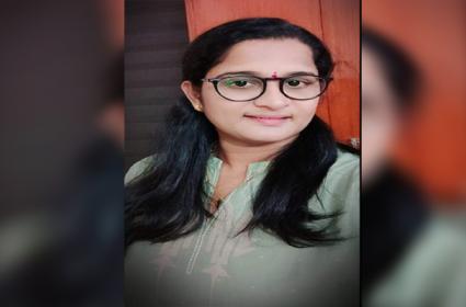Woman Cheated In The Name Of Jobs In Guntur - Sakshi