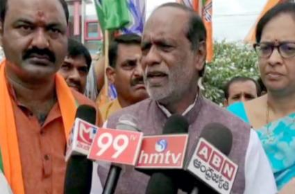 BJP State Secretary K Laxman Slams On CM KCR Over RTC Strikes - Sakshi