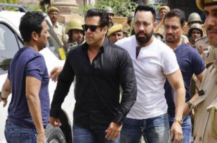 Maharashtra Elections: Salman Khans Bodyguard joins Shiv Sena - Sakshi