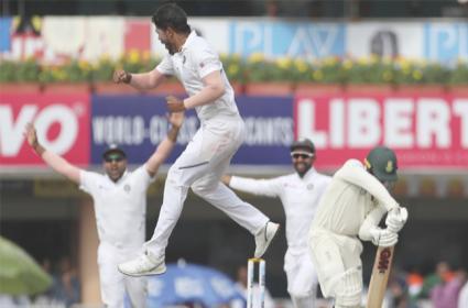 India VS South Africa 3rd Test Kohli Gang Close In On Massive Win - Sakshi