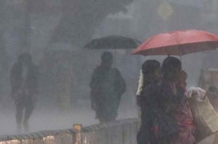 Heavy Rains Continue To Batter Tamil Nadu - Sakshi