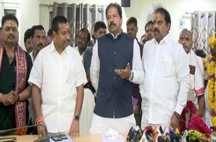 Brahmin Representatives Praising AP CM YS Jaganmohan Reddy in Vijayawada - Sakshi