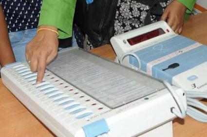 Koregav Villegers Slams On Evms In Maharashtra Elections - Sakshi