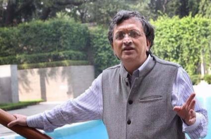 Former COA Member Ramachandra Guha Declines BCCI Payment - Sakshi