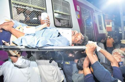Hyderabad Trains Collision : MMTS Loco Pilot Rescued - Sakshi