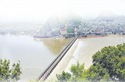 Flood barrier is no more for sand supply - Sakshi