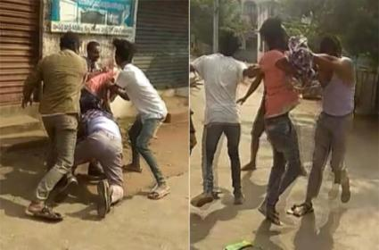 Youth Attack On Constable With Knife At Rajahmundry - Sakshi